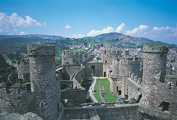 Conwy Castle birds eye view.jpg